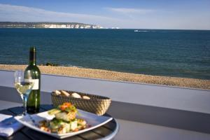 Delicious food and great sea views!