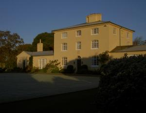 Picture of ITCHENOR PARK HOUSE (situated in Itchenor, Chichester, West Sussex)