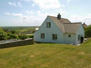Picture of TREHANOO HOUSE WITH OR WITHOUT SEPARATE ANNEXE (situated in Polzeath, 2 miles from Rock, Polzeath, Cornwall)