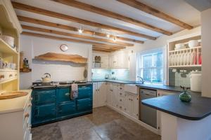 Picture of CHURCH COTTAGE, BRAUNTON / SLEEPS 6 (situated in West Down Braunton, Croyde, Devon)